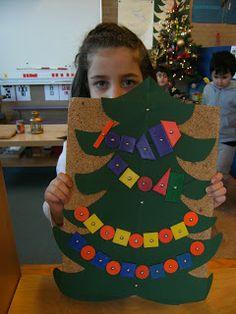 Kerstboom op het bord van hamertje tik, de kleuter versiert de boom! (differentiatie; patroon)
