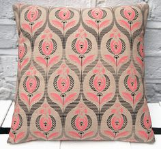 Organic cotton pillow with Art Deco floral print