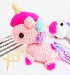 Miniature amigurumi unicorn key chain(free crochet pattern) Quick Crochet, Crochet Basics, Free Crochet, Cute Rainbow Unicorn, Crochet Unicorn, Amigurumi Minta, Craft Tutorials, Minion, Crochet Projects
