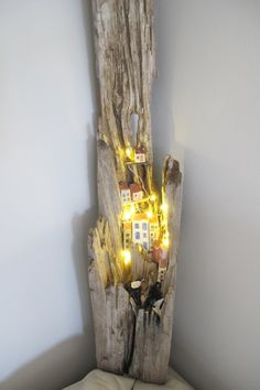 Driftwood Lamp - 69 DIY ideas, inspirations and much Driftwood Lamp, Driftwood Projects, Driftwood Ideas, Fall Kitchen Decor, Summer Quilts, Wood Creations, Miniature Houses, Little Houses, Pebble Art
