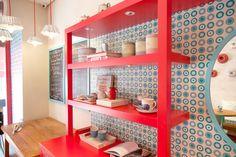 Adesivação de paredes e armário para Boleria Bolo ao Forno