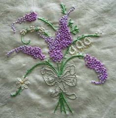 I ❤ embroidery . . . Another French knot grouping – these, I think, are lilacs. I like the combination of the different purples, the white, and the green.