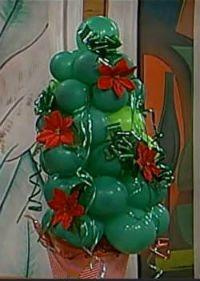 arvore de natal com baloes
