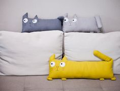 Mud cloth pillow mustard Set gray cream Cushion cover indigo Throw pillow lumbar Cat sham shaped case purple Linen Many COLORS Kids Pillows, Linen Pillows, Down Pillows, Decorative Pillows, Throw Pillows, Cream Cushions, Sewing Toys, Pillow Shams, Pillows