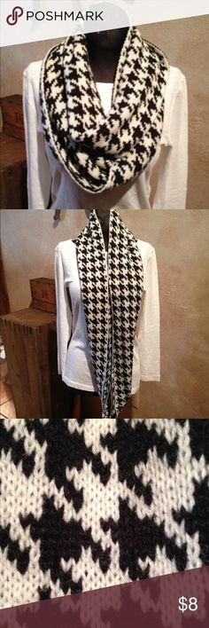 "Houndstooth Infinity Knit Scarf Never worn. Excellent condition. Flat measurements 34"" long and 9"" wide. Acrylic. Accessories Scarves & Wraps"