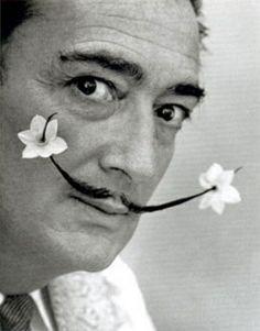 un retrato de Dalí