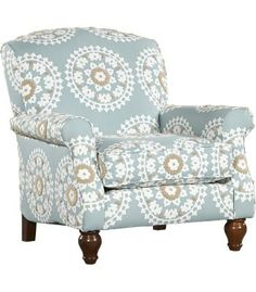 The soft blue of this #havertys Melody Accent Chair would pair perfectly with a bouqet of white #hydrangeas. #HavertysRefresh