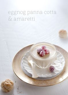 Eggnog panna cotta with sugared cranberries and amaretti | recipe via coco+kelley.