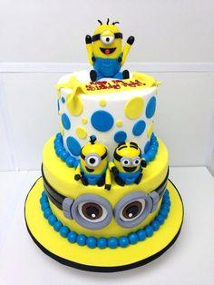 Birthday cake minion despicable me minions two tier happy birthday cake minions