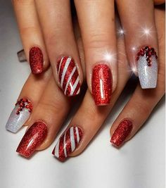 Classic And Traditional Easy Red Coffin Christmas Nails Designs Christmas Coffin Nails;Coffin Nails;Christmas Nails;Long Nails;Red Nails;Nails Art;Holiday Nails;Nails Design;Coffin Nails Trend;Snowflake Nails; Snowman Nails; Cute Red Nails, Gorgeous Nails, Red Sparkle Nails, Cute Christmas Nails, Xmas Nails, Christmas Girls, Christmas Pictures, Simple Christmas, Christmas Nail Art Designs