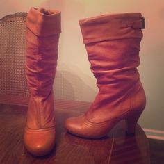"Adorable Tan Steve Madden slouch boots  ✨ Adorable tan Steve Madden slouch boots // super cute // selling because I have a pair very similar // previously worn; normal wear and tear; no tears or stains; minor scuff in the front of left boot (see pic) // size 7 // comfortable // true to size if you're a 6.5-7 // pull on, no zipper // 3"" heel, 10"" boot shaft (heel not included in that measurement), 14.5"" calf circumference ✨ Steve Madden Shoes Heeled Boots"