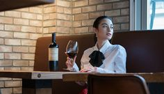 COVER STORY : 国木田彩良 | WINE WHAT online