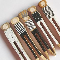 Hand painted wooden pegs by Porter Colline Diy And Crafts, Crafts For Kids, Arts And Crafts, Craft Projects, Projects To Try, Creation Deco, Clothespin Dolls, Wooden Pegs, Wooden Dolls