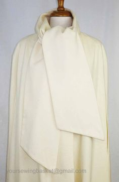 vintage Wool Cape in Winter White  Full by 2goodponiesvintage, $79.00 #vintage #fashion
