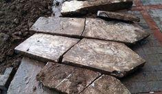 Rize'de 300 yıllık mezar taşları bulundu