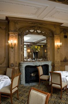 RMS Olympic - White Swan Hotel - http://upload.wikimedia.org/wikipedia/commons/e/e3/Olympic_Suite_fireplace.jpg