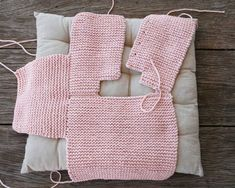 Step By Step Baby Cardigan - Best Knitting Baby Knitting Patterns, Knitting For Kids, Baby Patterns, Diy Crafts Knitting, Pull Bebe, Baby Coat, Crochet Cardigan Pattern, Baby Sweaters, Pulls