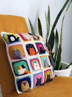 Many Cats Square - by Pony McTate ♥ This playful Many Cats Square is a great way to show your love for our feline friends! Using DK/8-ply weight yarn and a 4mm (US G/6) hook, your square will measure 10cm x 10cm (4in x 4in) after blocking. #paidpattern #crochetpatterns #cats #catcrochet #crochetshares Chat Crochet, Crochet Motifs, Easy Crochet Patterns, Crochet Designs, Free Crochet, Crochet Ideas, Yarn Crafts, Crochet Crafts, Crochet Projects