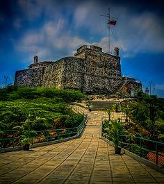 Mirador de Solano se encuentra ubicado en el Parque Nacional San Esteban, en la ciudad de Puerto Cabello, en el estado Carabobo de Venezuela