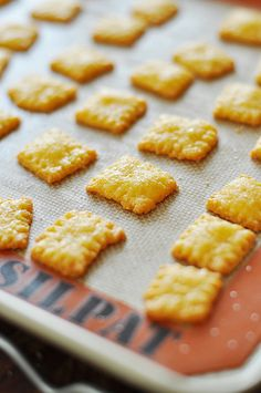cheez-it cravings again....a gluten free recipe by someone other than my sister.