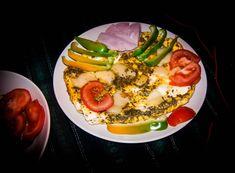 Photo by Elisabeta Vlad Avocado Egg, Avocado Toast, The World's Greatest, Hot Dogs, Food Photography, Salad, Meals, Dishes, Breakfast