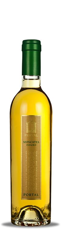 Portal Moscatel do Douro is made with one of the most aromatic grape variety known: the Moscatel Galego. Served as an appetizer or as an accompaniment to a dessert, you can feel its aromas and fruity sweetness. On the palate you will be delighted with the perfect balance between fruit, sweetness and acidity. Perfect for consuming plain or serve as a basis for a simple cocktail, a fresh pleasure that nobody should be denied.