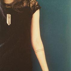 First tattoo!✨ #firsttattoo #linetattoo #armbandtattoo #tattoo