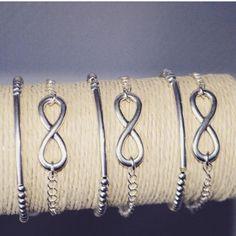 Infinity armbandjes