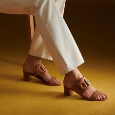 Hermes Bikini Sandals in Brun Fauve. Hermes Online, Tie And Pocket Square, Small Leather Goods, Natural Leather, Shoe Collection, Leather Heels, Capsule Wardrobe, Fashion Shoes, Footwear
