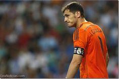 ¡Es oficial! Iker Casilla dice adiós al Real Madrid - http://www.leanoticias.com/2015/07/08/es-oficial-iker-casilla-dice-adios-al-real-madrid/
