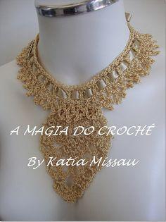 Beautiful collar necklace - colar charme dourado by A magia do crochê, via Flickr