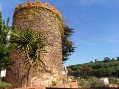"""Torre de """"Els Encantats"""" a Caldes d'Estrach (popularment Caldetes)"""