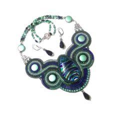 150 LEI | Seturi handmade | Cumpara online cu livrare nationala, din Bucuresti. Mai multe Bijuterii in magazinul Gabileria pe Breslo.