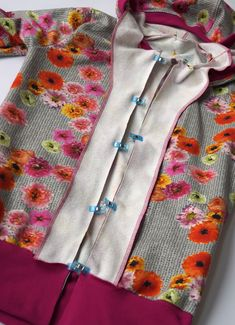 Exceptional 30 Sewing tutorials tips are offered on our site. look at this and you wont be sorry you did. Baby Sewing Projects, Sewing Projects For Beginners, Sewing Hacks, Sewing Tutorials, Sewing Tips, Sewing Patterns Free, Free Pattern, Knitting Patterns, Crochet Patterns
