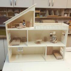 Nouvelle maison 1/24ème minicrea avec mobiler pour #playmobil et #sylvanian #sylvanians #minicrea #kitminicrea