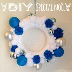 Découvrez le tuto pour fabriquer une couronne de noël : des boules et des pompons en laine DIY, des flocons de neige.