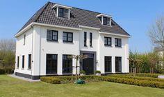 Custom Built Homes. Facade Design, Architecture Design, Villas, Dream House Exterior, Sims House, New House Plans, Build Your Dream Home, Facade House, Toscana