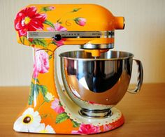 Floral Kitchen Aid standing mixer. Be still my heart....