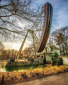 Veilige Haven, Amusement Park Rides, Holland, Fair Grounds, Places, Outdoor Decor, Travel, The Nederlands, Viajes