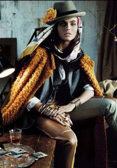 Vogue Alemanha | Editorial de Moda Maio 2013 | Karlina Caune