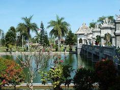 Taman Ujung Water Palace & Tirta Gangga Water Palace (Bali, Indonesia) - http://bali-traveller.com/taman-ujung-water-palace-tirta-gangga-water-palace-bali-indonesia/