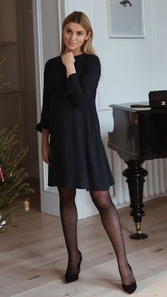 Buy Polka Dot Tights on our official Calzedonia website. Pantyhose Outfits, Pantyhose Legs, Black Nylons, Black Tights Outfit, Outfits With Tights, Black Stockings Outfit, Dress With Stockings, Polka Dot Tights, Quoi Porter