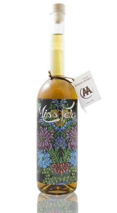 Wine Label MissTela Sweet Wine by Francesca Della Croce, via Behance #packaging #design