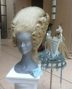 """up: Cinematic wigs on display at the Italian Embassy Wig worn by Kirsten Dunst in """"Marie Antoinette.""""Wig worn by Kirsten Dunst in """"Marie Antoinette. Marie Antoinette Costume, Marie Antoinette 2006, 18th Century Wigs, 18th Century Costume, Pelo Vintage, Rococo Fashion, 18th Century Fashion, Rococo Style, Wig Styles"""