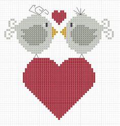 Punto croce Lots of adorable little cross stitch freebies. Cross Stitch Heart, Cute Cross Stitch, Cross Stitch Animals, Cross Stitch Designs, Cross Stitch Patterns, Cross Stitching, Cross Stitch Embroidery, Embroidery Patterns, Bird Patterns