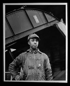 """""""Earl M. Qualls, car dumper operator at Watts Bar, is job steward of the Hod Carriers' local union on TVAuthority, and is active in combatting absenteeism and in furthering war bond Red Cross drives"""" Photographer: Alfred T. Palmer June 1942"""