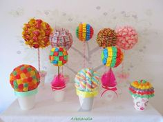 Centros de mesa con dulces Chocolates, Candy Land Theme, Bar A Bonbon, Up Theme, Sweet Sixteen Parties, Candy Crafts, Chocolate Bouquet, Fiesta Party, Art Party