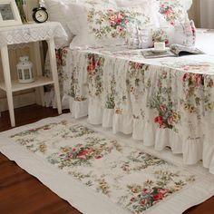 Swanlake Shabby and Elegant Elena Rural Style Roses Ruffle/Lace Bed Skirt 1509 (King) Bedroom Carpet, Living Room Carpet, Shabby Chic Bedrooms, Shabby Chic Decor, Draps Design, Vintage Carpet, Designer Bed Sheets, Lace Bedding, Carpet Trends