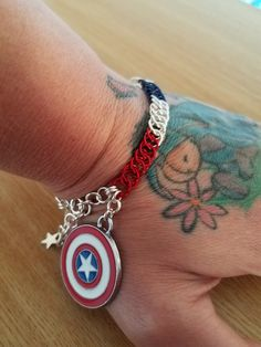 "Half Persian Chainmaille Bracelet ""Captain America"""