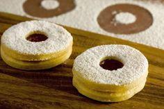 Polish Cat's Eye Sandwich Cookie Popular for Christmas: Sandwich Cookies